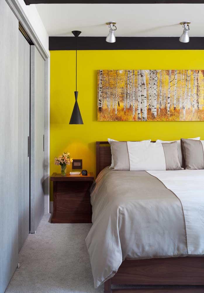 Você pode escolher a cor amarelo para o quarto de casal e assim proporcionar melhor comunicação.