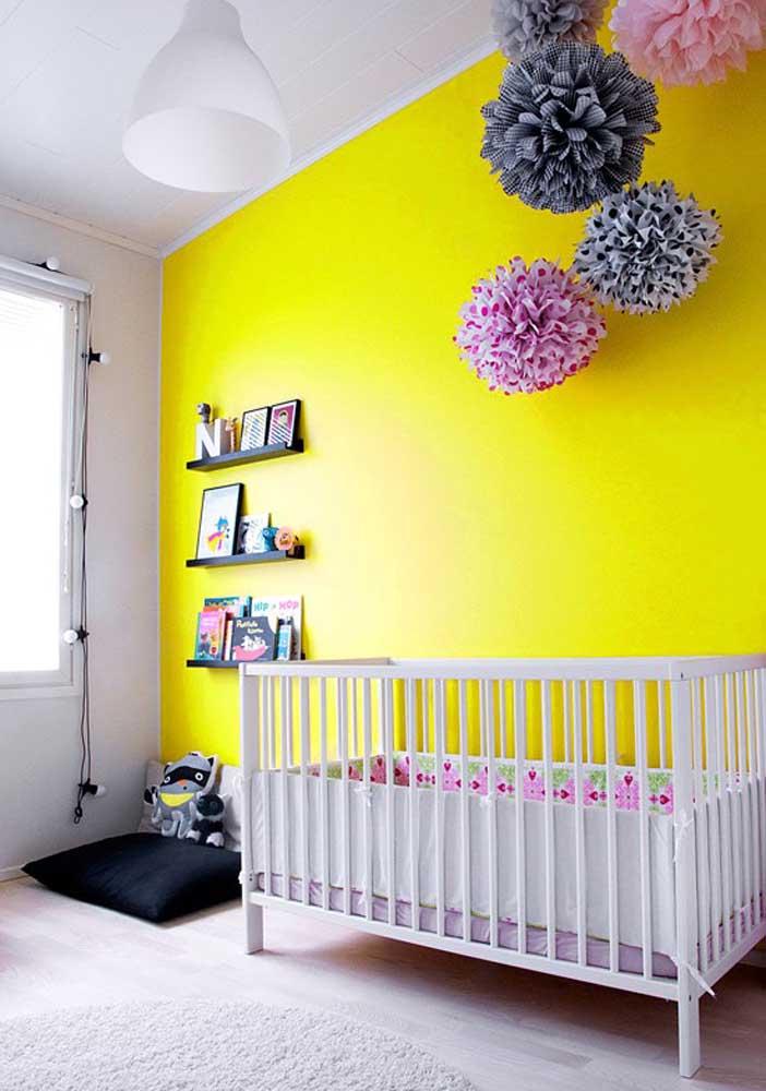 Bebês são estimulados pela cor, portanto, invista em uma decoração com cores mais vibrantes.