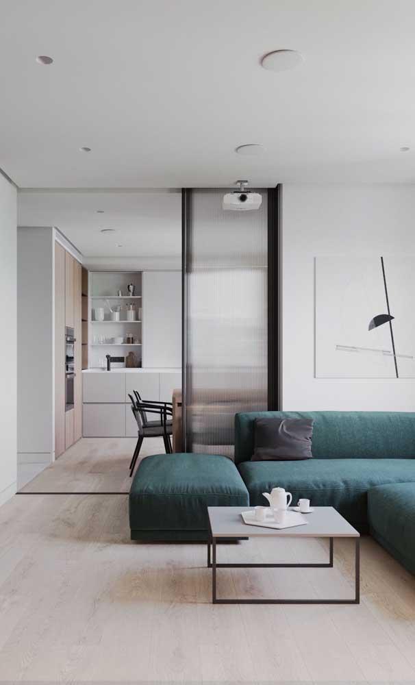 A maneira mais elegante de separar ambientes hoje em dia é com uma porta de alumínio de correr