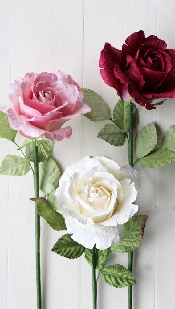Rosas de papel crepom para serem usadas onde e como você quiser