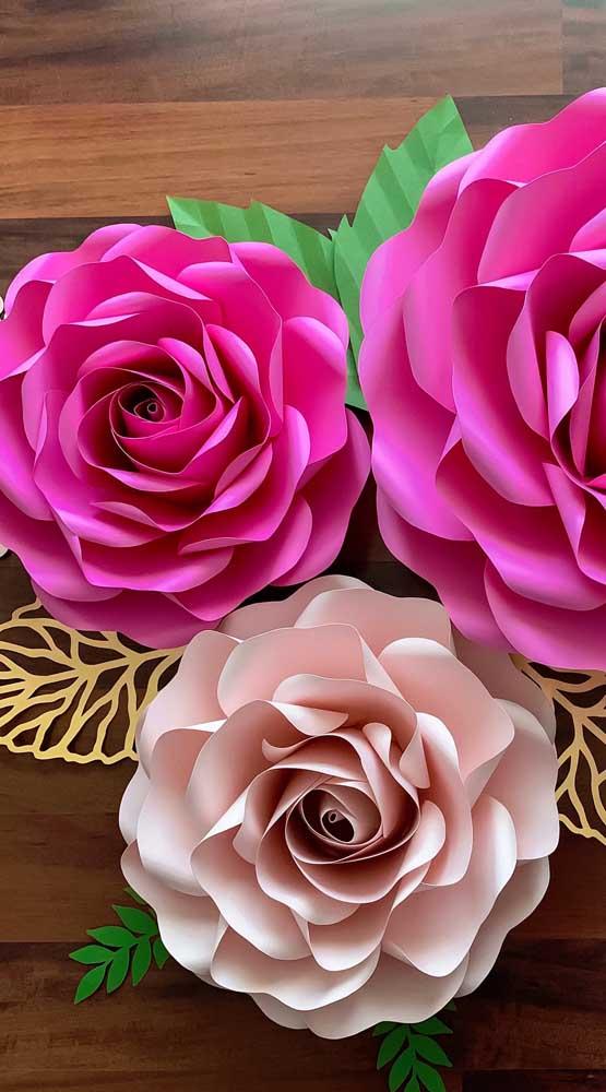 Cada cor traz uma magia diferente para as rosas de papel