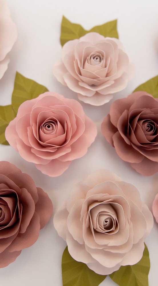 Os tons neutros e suaves marcam essas delicadas rosas de papel, perfeitas para a decoração de um casamento
