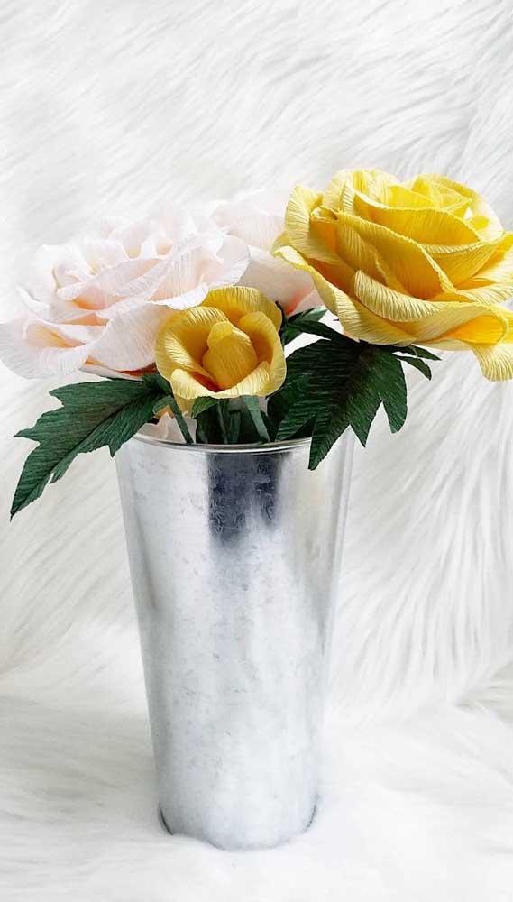 Suas cores preferidas podem ser usadas nas rosas de papel