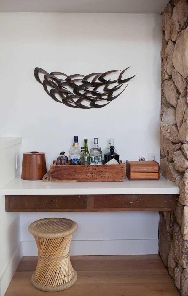 Linda inspiração de bar em casa de estilo rústico