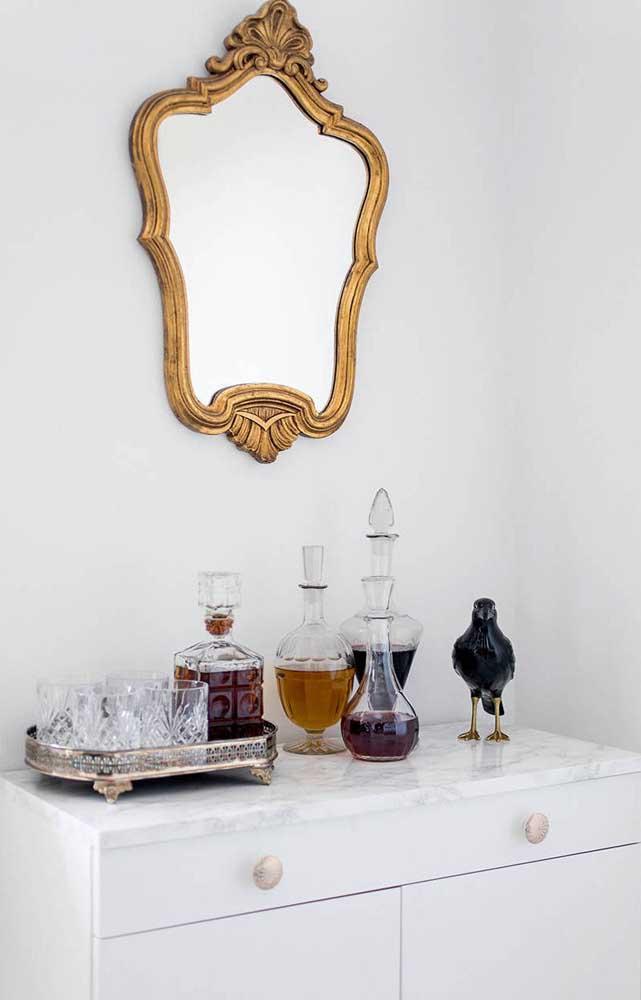Licoreiras para um bar em casa elegante e sofisticado