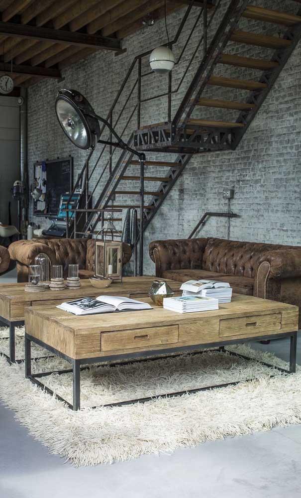 Duas mesas de centro grandes em madeira de demolição para a sala de estar moderna e industrial