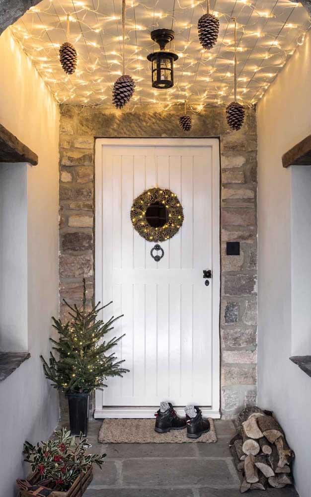 Já pensou em colocar luzes de natal no teto?