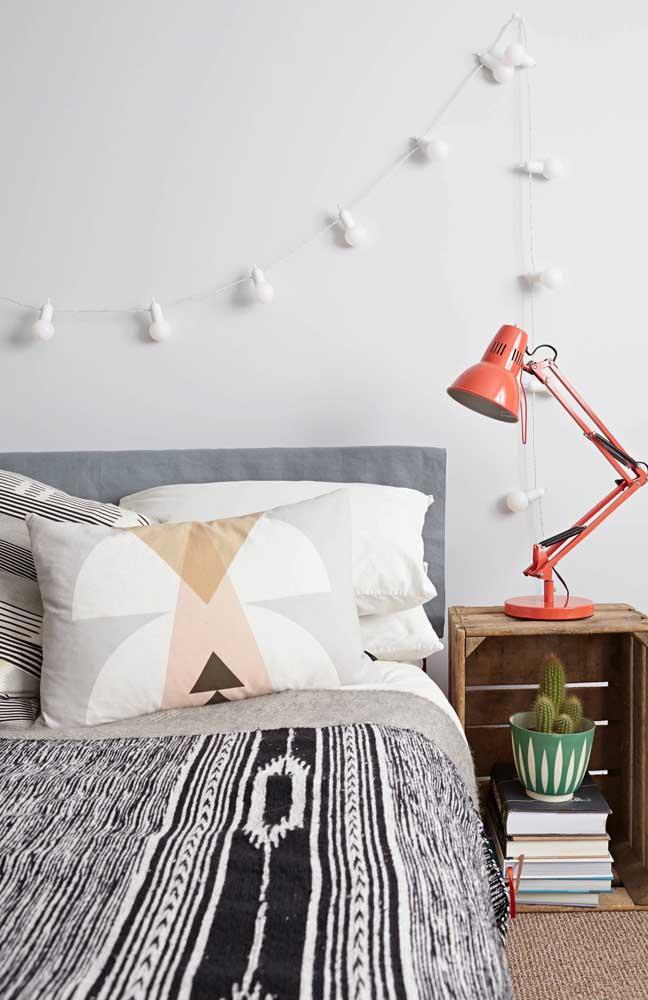 Luzes de natal na cabeceira da cama: para usar durante e depois do natal