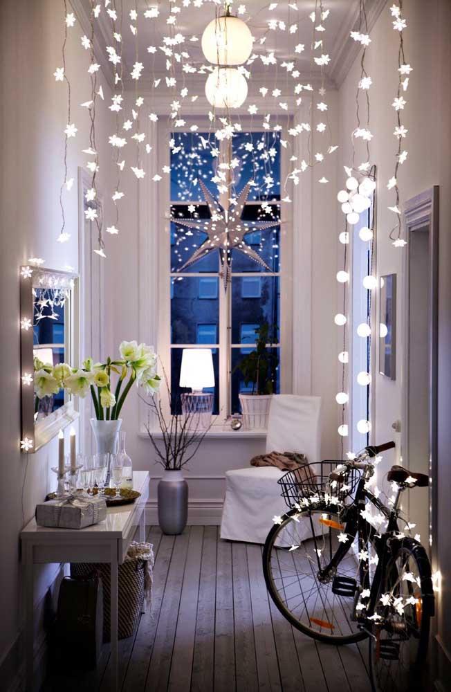 Que lindo efeito de luzes criado nesse corredor!
