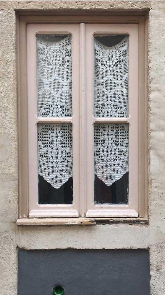 Pequena e simples, mas fundamental na estética e na funcionalidade da casa