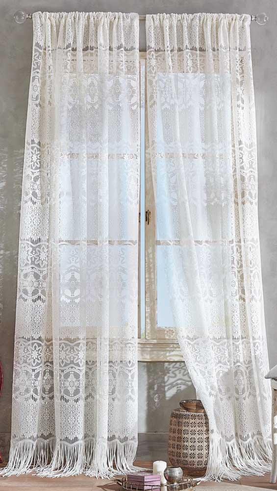 Ambientes despretensiosos, como o boho chic, casam perfeitamente com as cortinas de renda