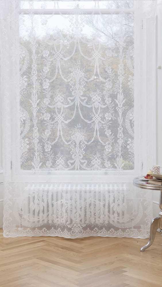 A transparência delicada da renda é um charme a parte nesse tipo de cortina