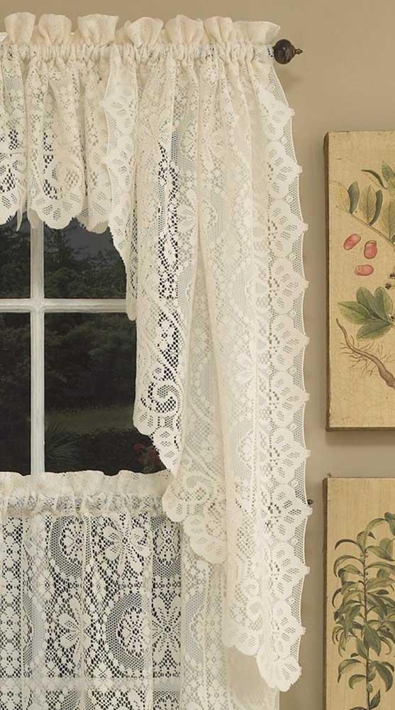 Um jeitinho bem retrô de incorporar a cortina de renda na decoração