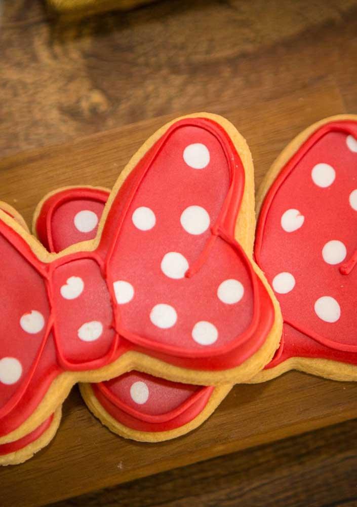 Use e abuse da criatividade na hora de fazer os doces e biscoitos da festa.