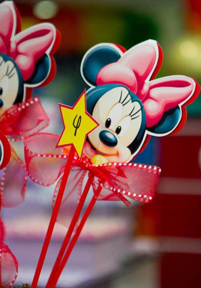 A Minnie é uma das personagens da Disney mais queridas do momento e a festa com esse tema é uma das mais pedidas pelas meninas.