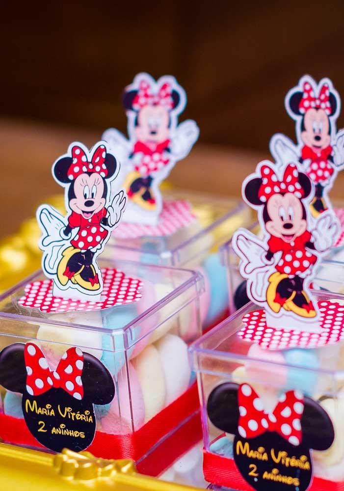 Incrível como as embalagens da festa Minnie vermelha ficam perfeitas.