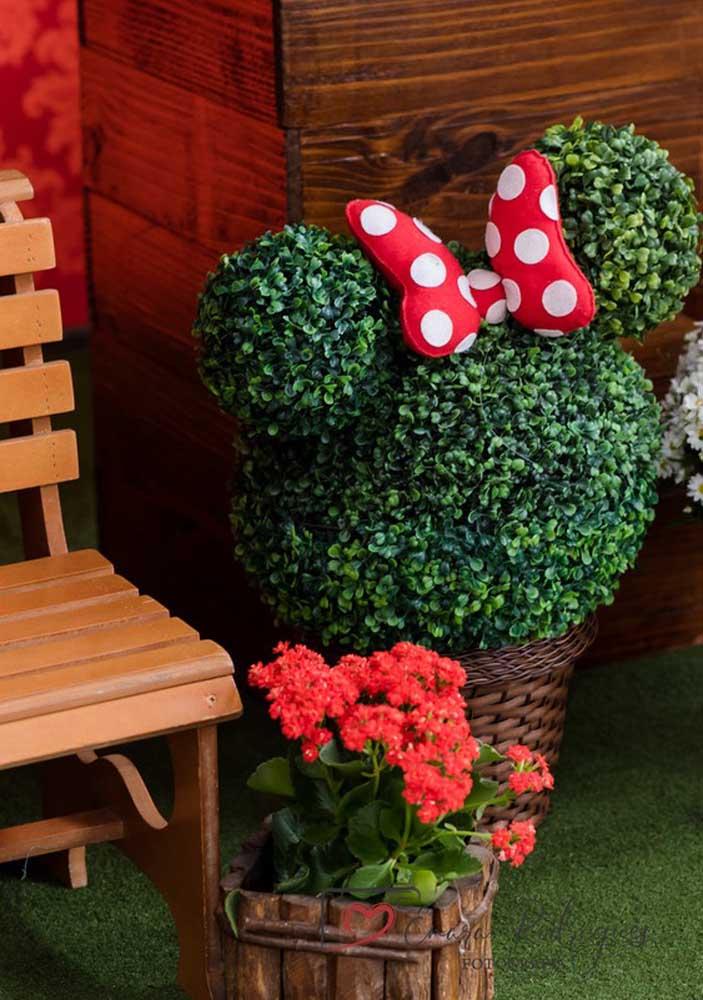 Que tal fazer algo diferenciado na decoração Minnie vermelha?
