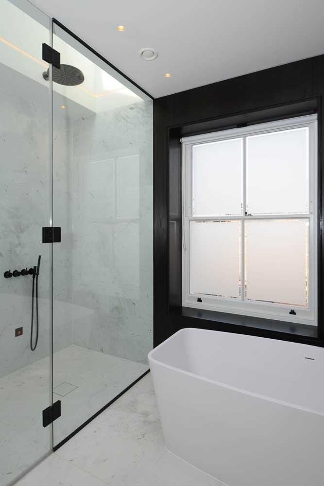 Janela para banheiro com vidro jateado