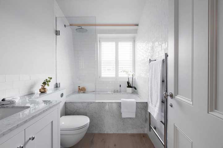 Janela para banheiro com veneziana: um charme especial no ambiente