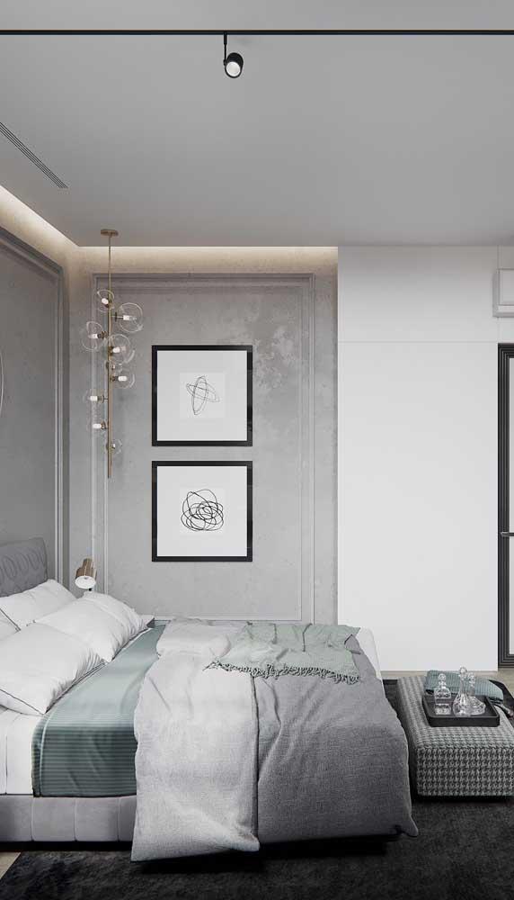 As luminárias de vidro são perfeitas para manter o clima neutro da decor