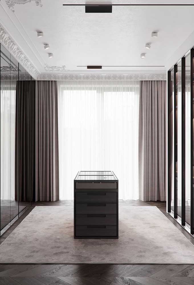 Armários espelhados para um closet elegantérrimo