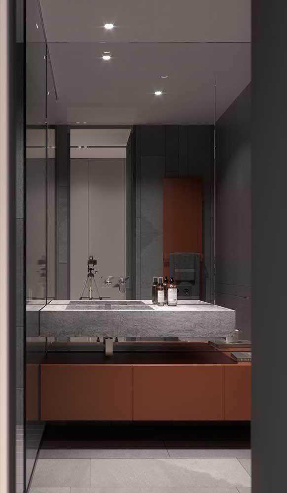 Armário de banheiro planejado na cor marsala