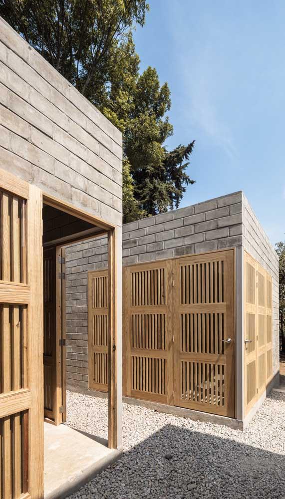 Quando um só não é suficiente, você pode ter vários portões de madeira