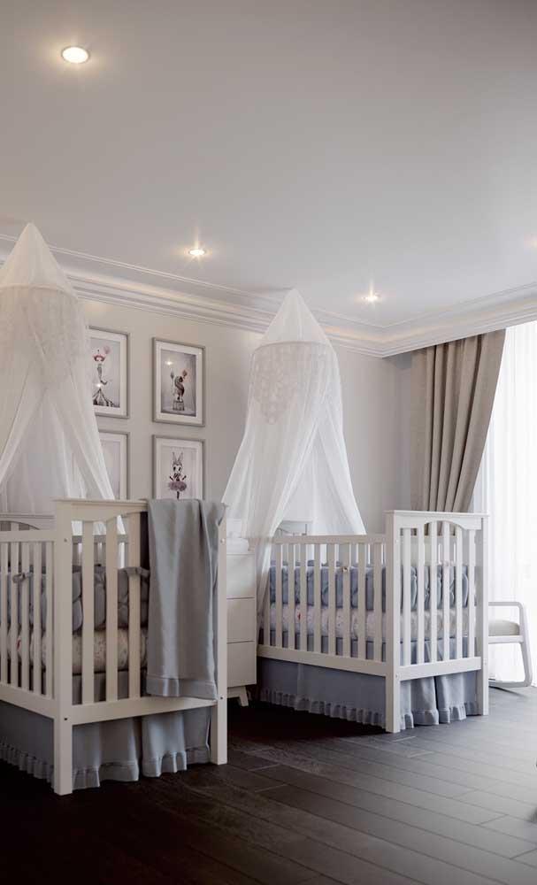 Sanca de isopor com cortineiro para o quarto dos bebês gêmeos