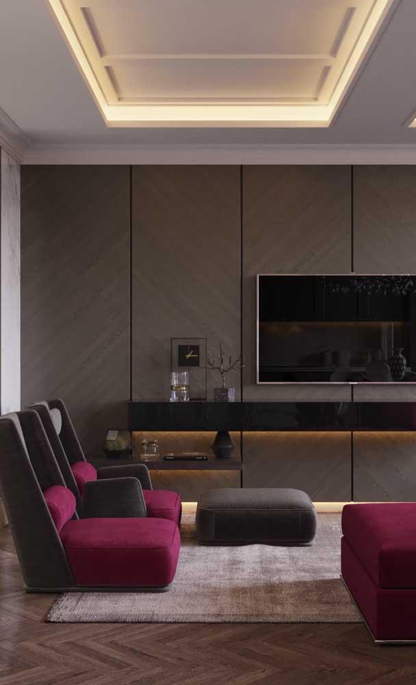 A sala de estar fica ainda mais elegante com a sanca de isopor iluminada