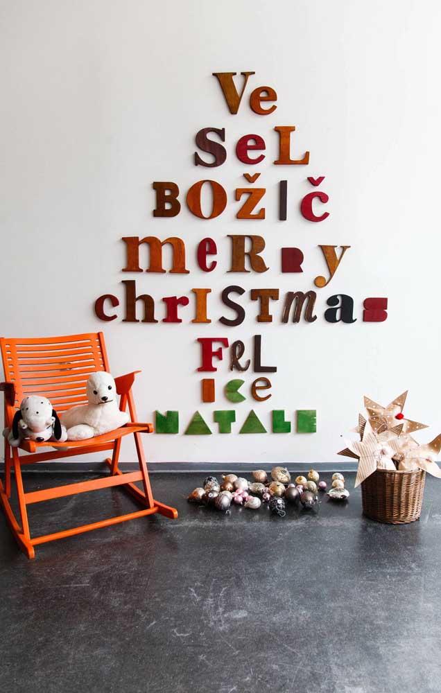 Letras que formam palavras que formam árvores de natal