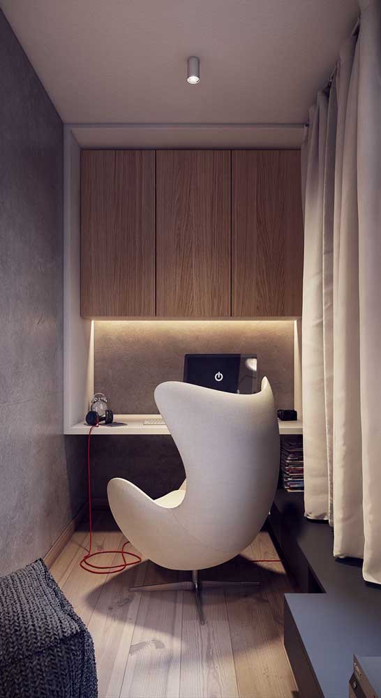 Cadeira giratória modelo egg para o quarto