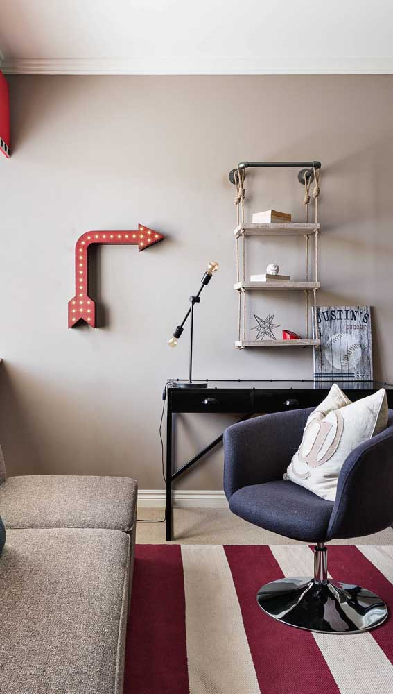 Poltrona giratória para sala de estar