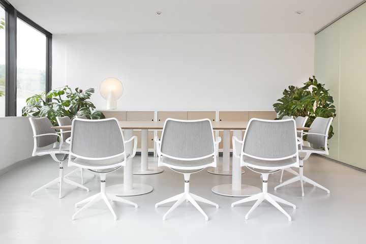 Cadeira giratória: tipos, como escolher, quanto custa e fotos