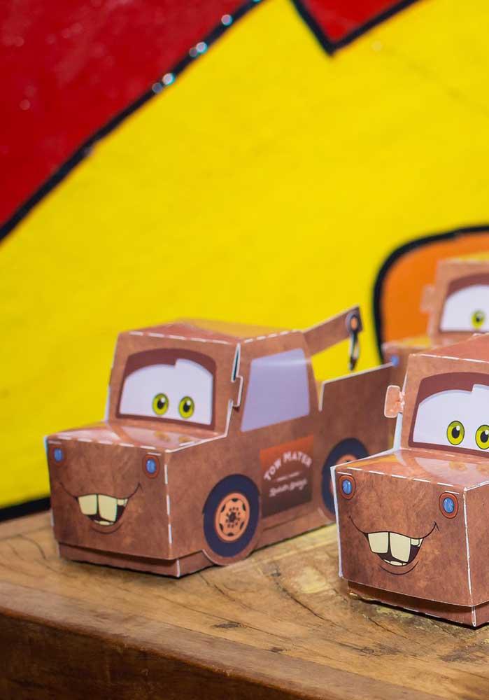 O que acha de montar umas caixinhas no formato de carros?