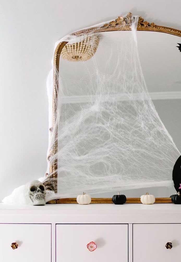 As teias de aranha garantem aquele clima mal assombrado bem realista para a festa de Halloween