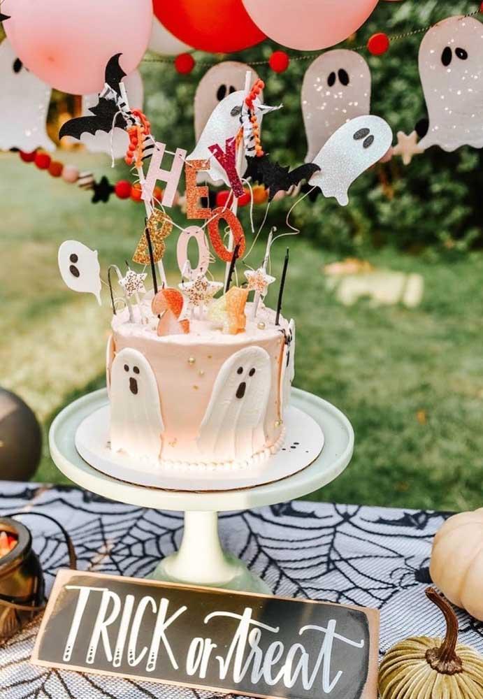 Bolo de Halloween para quem deseja aproveitar a data e comemorar o aniversário
