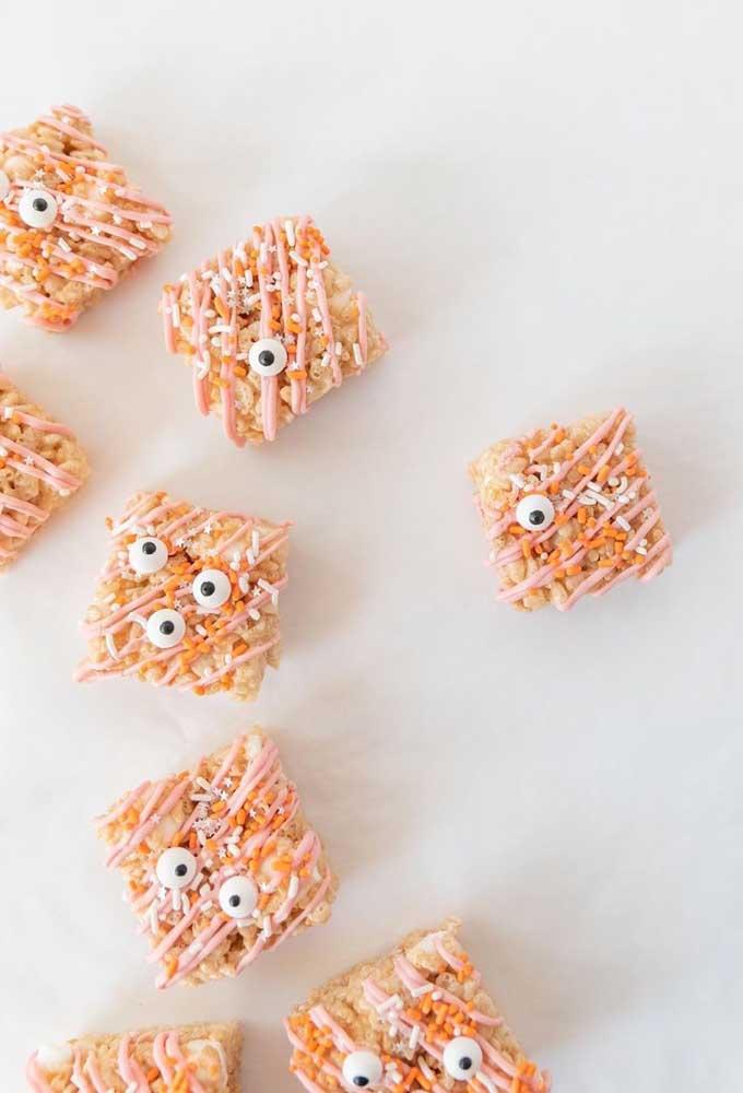 Aperitivos com formato de monstrinhos para decorar e servir os convidados