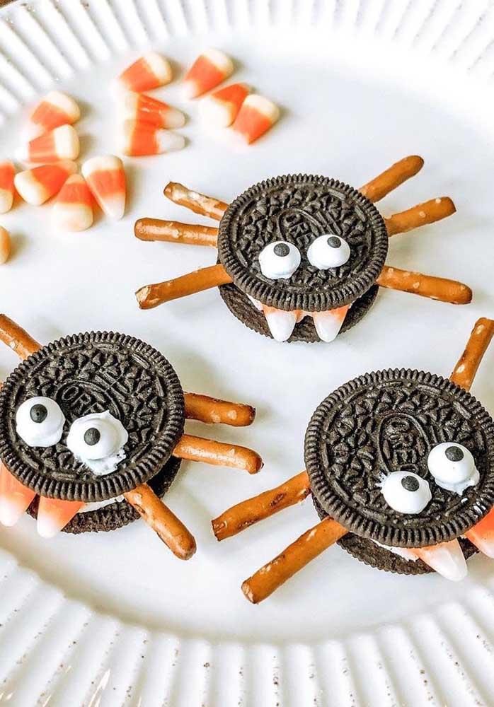 Aranhas recheadas! Que tal essa ideia de aperitivo para o Halloween?