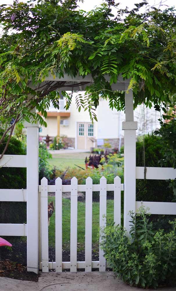 Uma bela inspiração para a entrada de uma chácara ou sítio