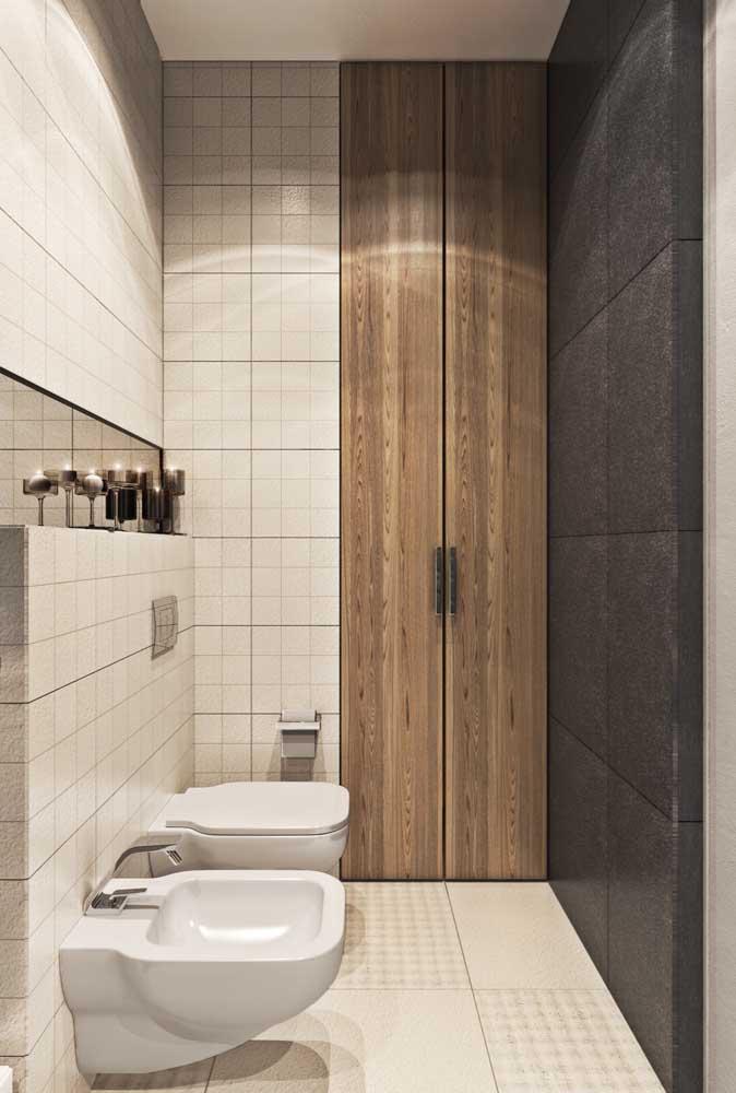 Banheiro pequeno com bidê. Se o acessório for uma necessidade fundamental para você, instale-o!