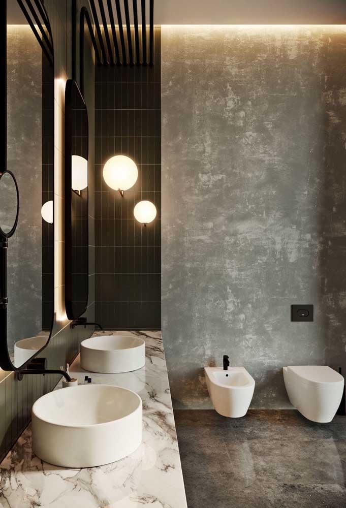 Bidê combinando com as demais louças do banheiro, tanto na cor, quanto no design