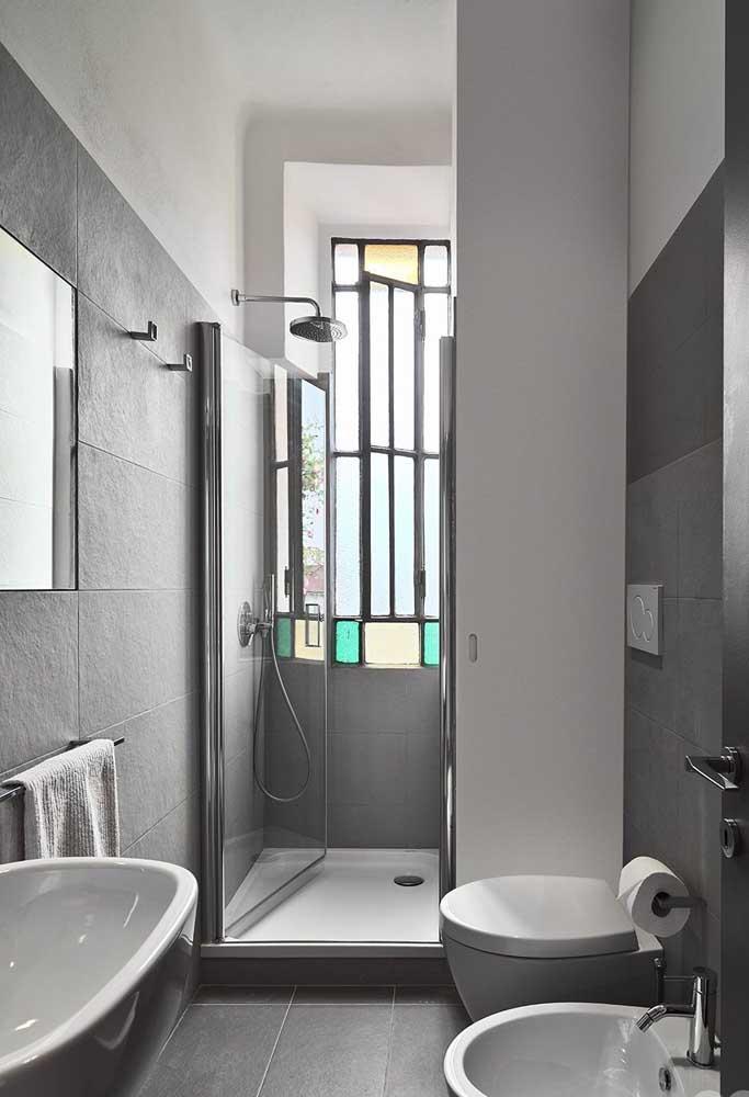 Ou quem sabe ainda você prefira um banheiro cinza com bidê combinando?