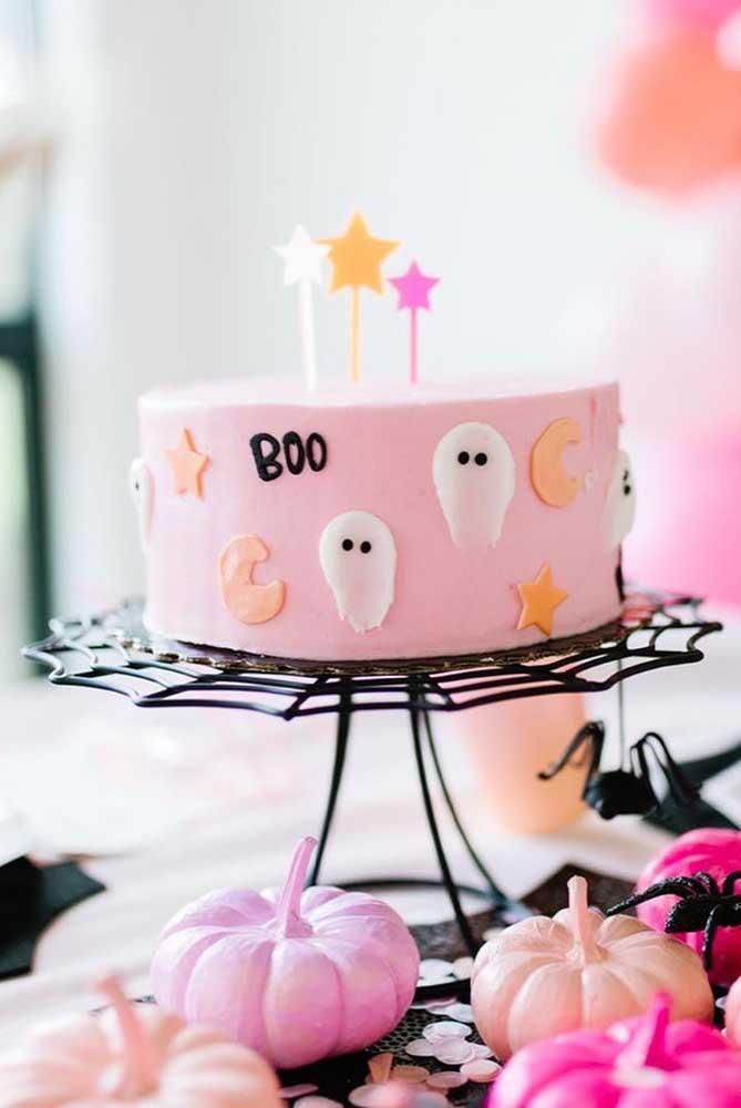 Um mimo esse bolo de Halloween cor de rosa