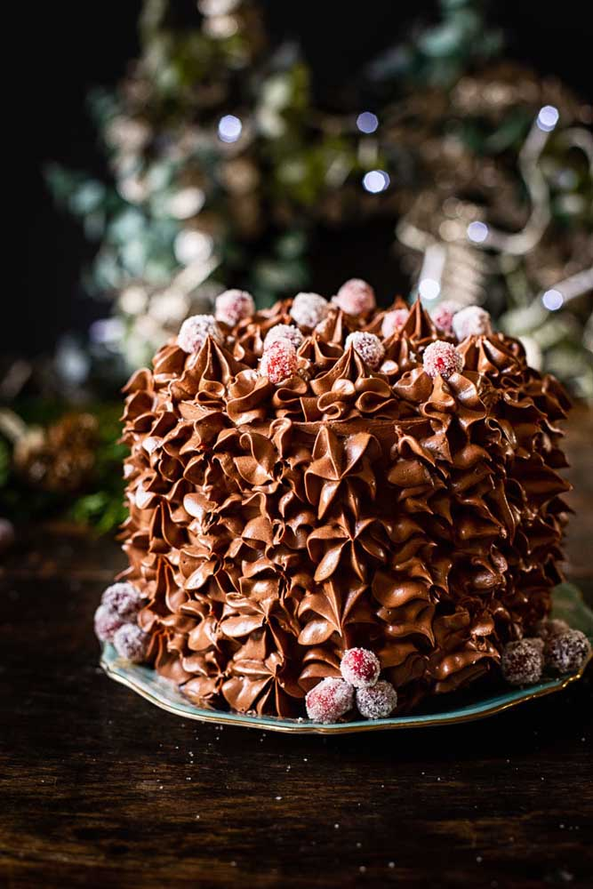 Só o chantilly já é capaz de fazer uma cobertura linda para o bolo de natal