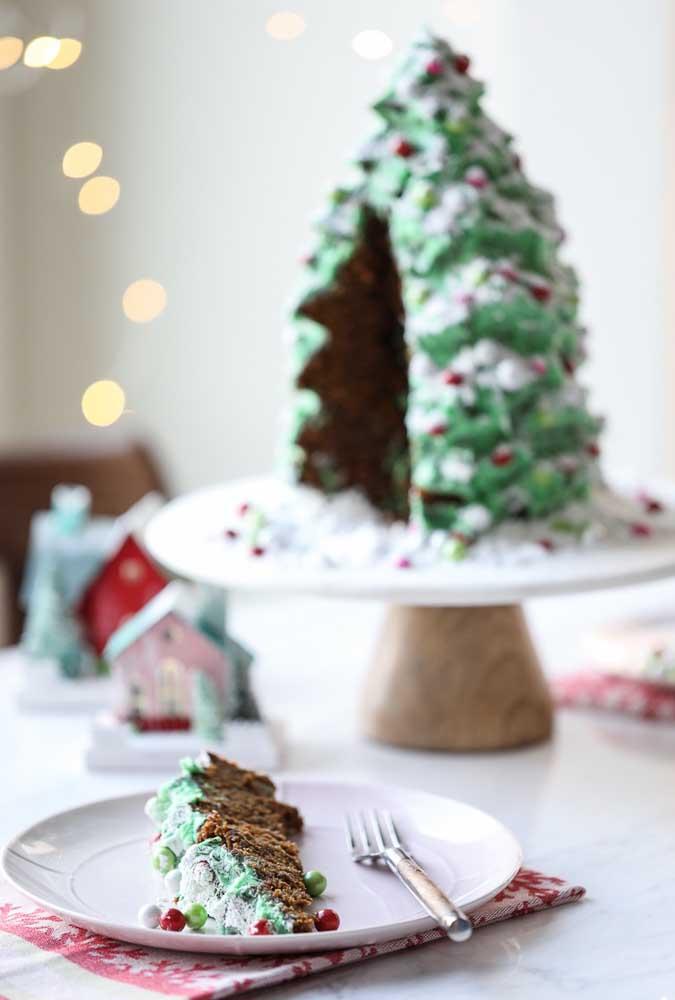 Bolo de natal em formato de árvore. Tente em casa!