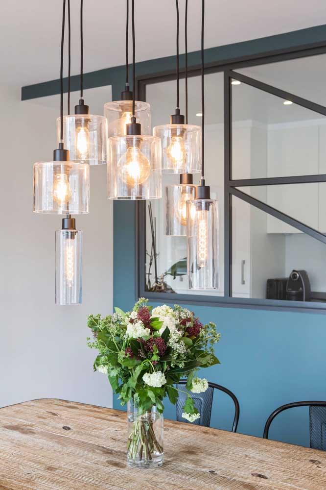 Lâmpadas de filamento de carbono para valorizar o lustre de cúpula de vidro