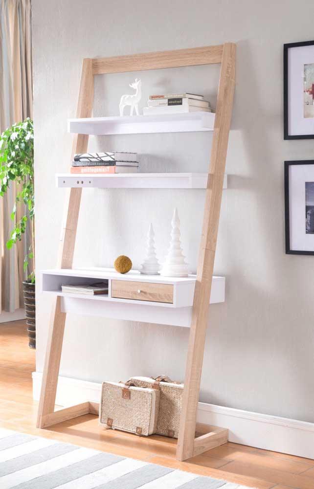 Um design diferenciado para evidenciar ainda mais a presença da escada estante