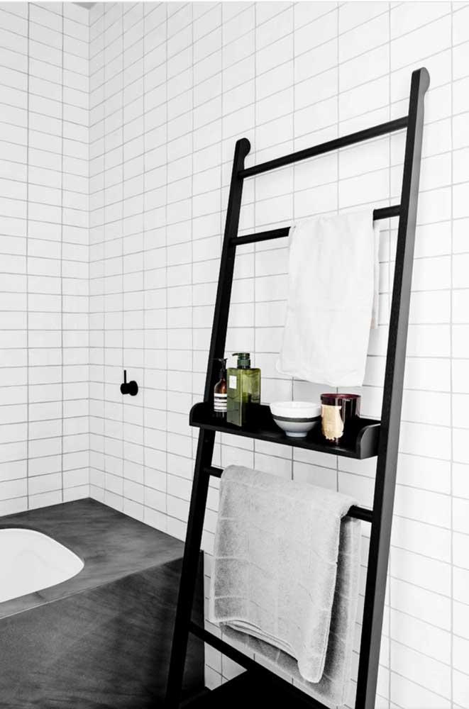 Modelo simples e funcional de escada estante