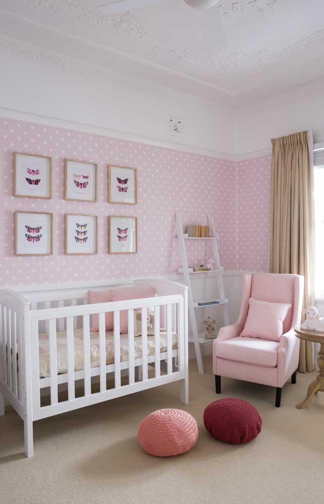O quarto infantil também fica lindo e super organizado com a estante escada