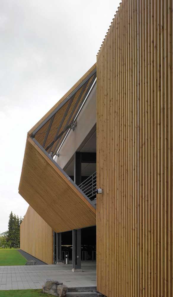 Estrutura de alumínio e acabamento em madeira: uma combinação perfeita!